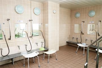 足腰の治療も負担をかけない洗い場